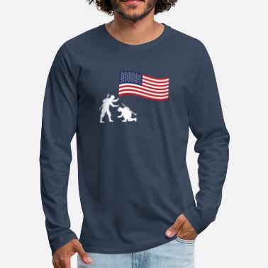 Guns 4th of July 2nd Amendment USA Freedom Expat Gift - Men's Premium Longsleeve Shirt
