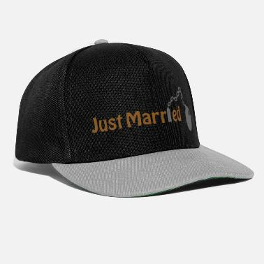 Married Just Married (honeymoon, newlyweds) - Snapback Cap