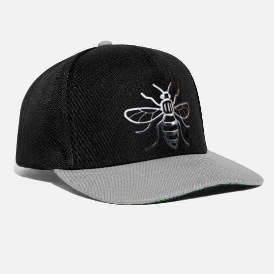 Bee Caps & Hats - Manchester Bee - Chrome Effect - Snapback Cap black/grey