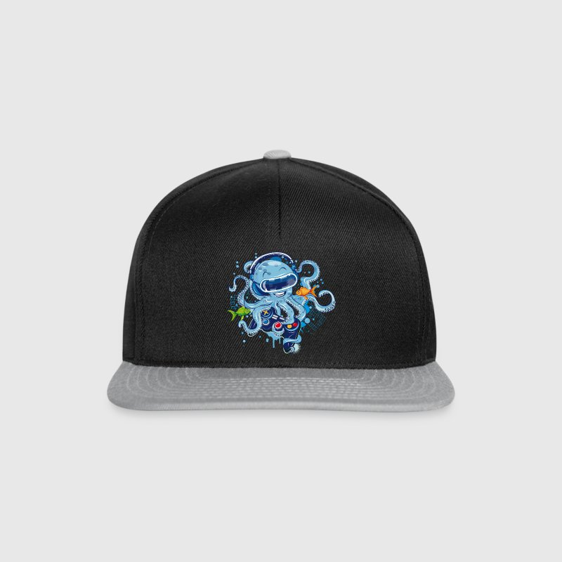 Octopus with gamepad and VR goggles - Snapback Cap