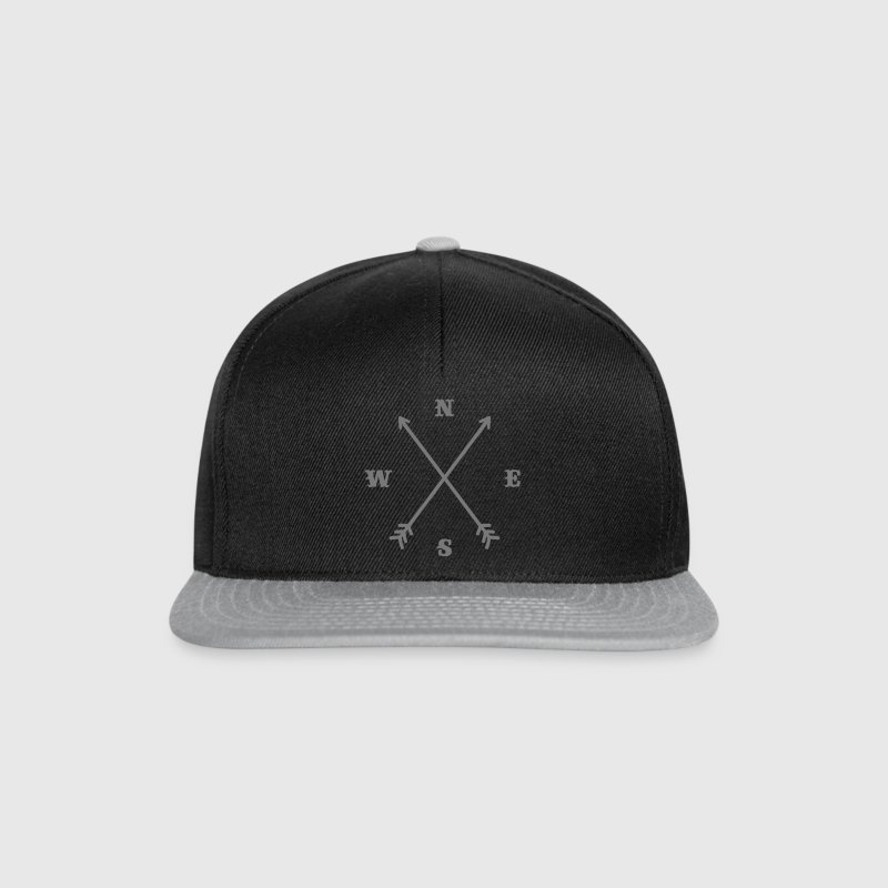 Boussole Hipster / Croix - Moderne Trendy Outfit  - Casquette snapback