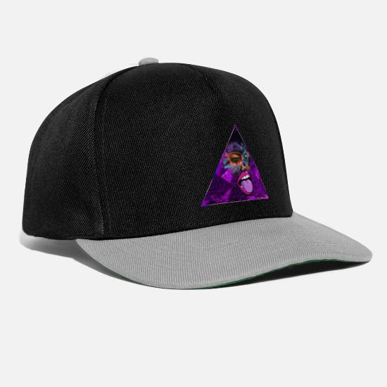 Gift Idea Caps & Hats - Art collage with face and pyramid triangle - Snapback Cap black/grey