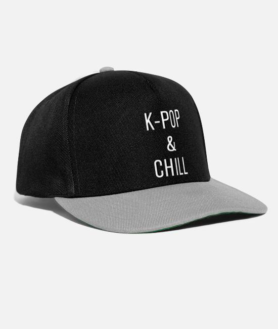 Animal Caps & Hats - K-Pop And Chill T-Shirt - Snapback Cap black/grey