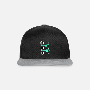 Bassist Music and guitars T-shirt & gift idea - Snapback Cap