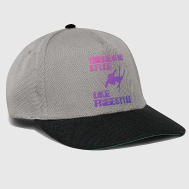 There Is No Style Like Freestyle - Ski Mottoshirt - Snapback Cap