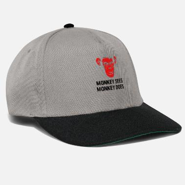 Spartaner Monkey Sees Monkey Does 09_redapequote - Snapback Cap