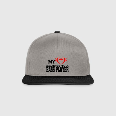 My heart belongs to a bassplayer - Snapback Cap