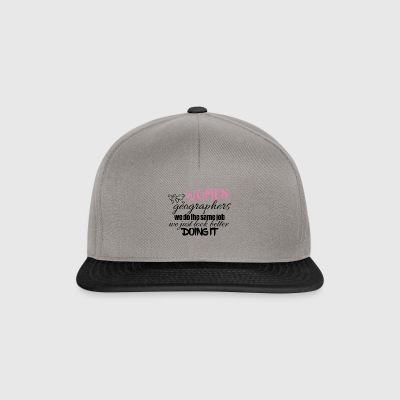 Women geographers look better doing it - Snapback Cap