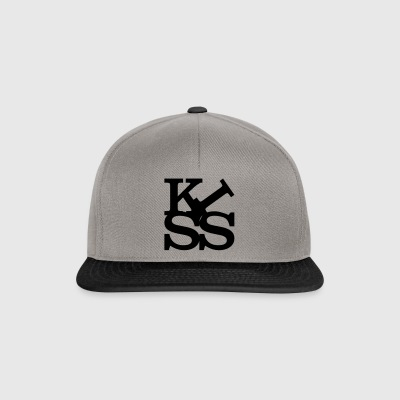 kiss homage to Robert Indiana Kiss schwarz innen - Snapback Cap