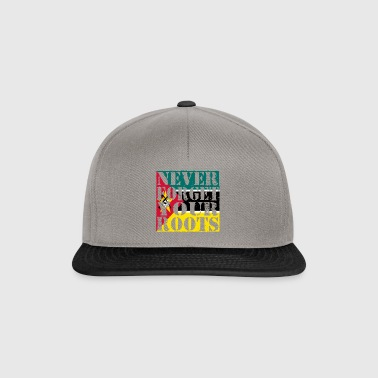 Never-Forget-Roots-Wurzeln-Mosambik - Snapback Cap