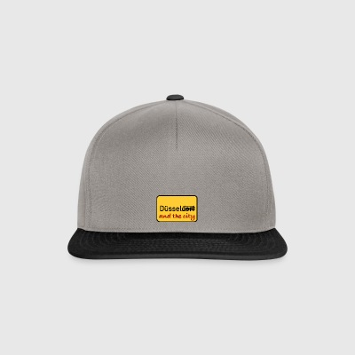 Duessel and the city - Snapback Cap