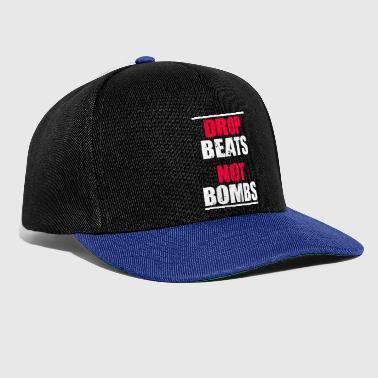 Drop beats and not bombs party motive gift red - Snapback Cap