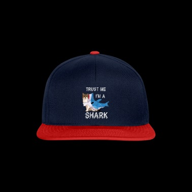 Trust Me I'm A Shark Grappige Cat In Costume Graphic - Snapback cap