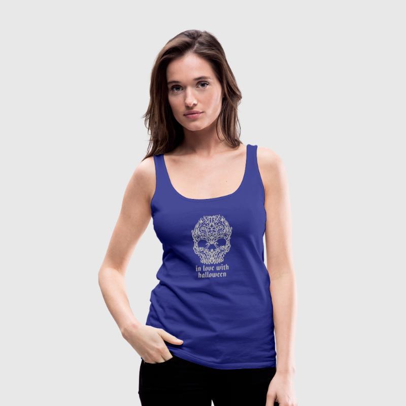 Artsy Vintage Skull In Love With Halloween 2 von EDDArts | Spreadshirt