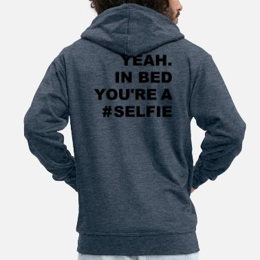 Internet selfies in bed - Mannen premium zip hoodie