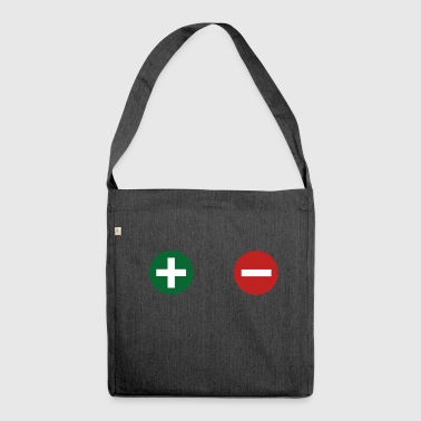 plus minus - Schultertasche aus Recycling-Material