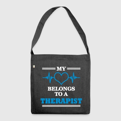 My heart belongs to a therapist - Schultertasche aus Recycling-Material