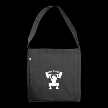 She Lifts - Schultertasche aus Recycling-Material
