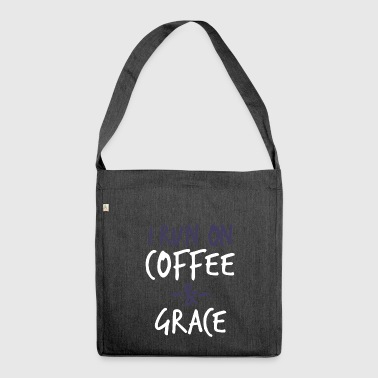 I Run On Coffee And Grace Versetto della Bibbia cristiana - Borsa in materiale riciclato