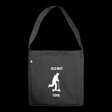 Old but Cool T Shirt - Schultertasche aus Recycling-Material