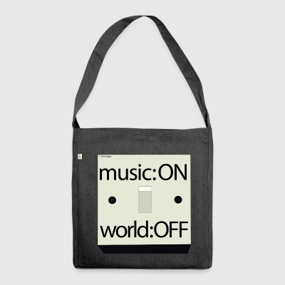 Música: World Off - Bandolera de material reciclado