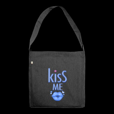 Party gag for the man Kiss me - Shoulder Bag made from recycled material