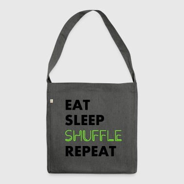 eat sleep shuffle repeat - Schultertasche aus Recycling-Material