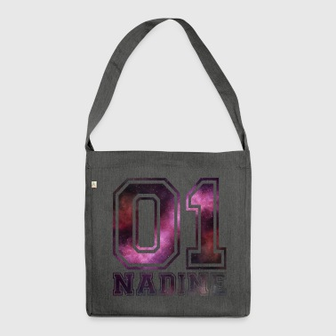Nadine Name - Schultertasche aus Recycling-Material