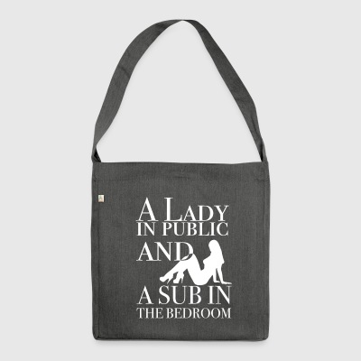 A Lady in public and a sub in the bedroom - Schultertasche aus Recycling-Material