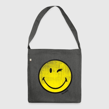 SmileyWorld Zwinkernder Smiley Used Look - Schultertasche aus Recycling-Material