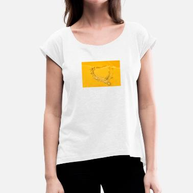 Sand Heart in the sand - Women's T-Shirt with rolled up sleeves