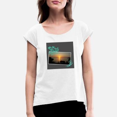 Dream holiday dreams - Women's Rolled Sleeve T-Shirt