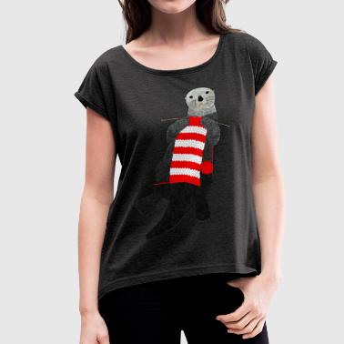 Knitting sea otter - Women's T-shirt with rolled up sleeves