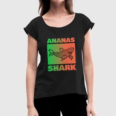 Pineapple, shark, green-red gradient - Women's T-Shirt with rolled up sleeves