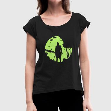 Warrior in the moonlight - Women's T-Shirt with rolled up sleeves