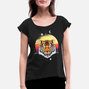 Animal Lover Tiger hunting - Women's Rolled Sleeve T-Shirt