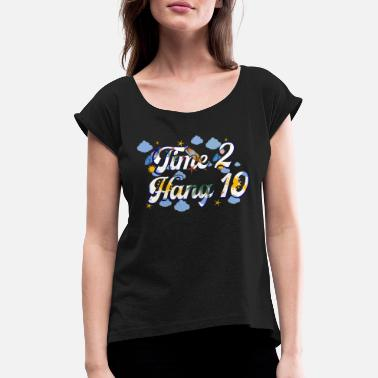 Hang Ten Time 2 Hang 10 Vintage Retro Surfing Beach Surf - Women's T-Shirt with rolled up sleeves