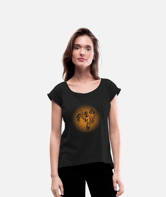 Zoo Animal T-Shirts - Giraffe love mom and baby family gift idea - Women's Rolled Sleeve T-Shirt black