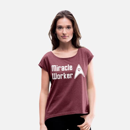 Star T-Shirts - Star Trek Discovery Scotty Miracle Worker - Women's Rolled Sleeve T-Shirt heather burgundy