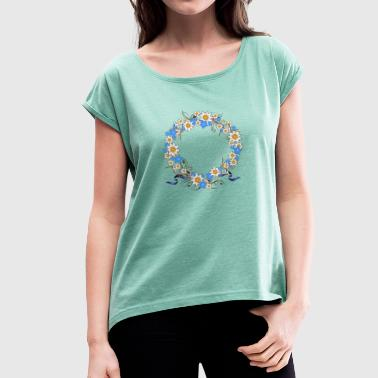 Gentian Edelweiss wreath - Women's T-shirt with rolled up sleeves
