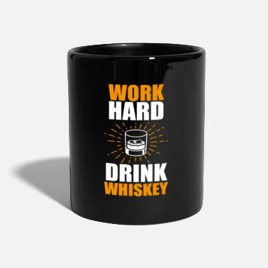 Bär lustiges Whisky Statement Shirt Arbeite Hart - Tasse