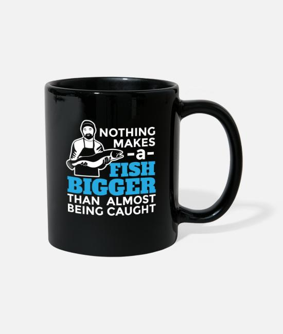 Amusing Mugs & Drinkware - Nothing makes a fish bigger fun design. - Mug black