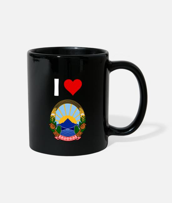 Love Mugs & Drinkware - COLATOR I Love Macedonia coat of arms shirt - Mug black