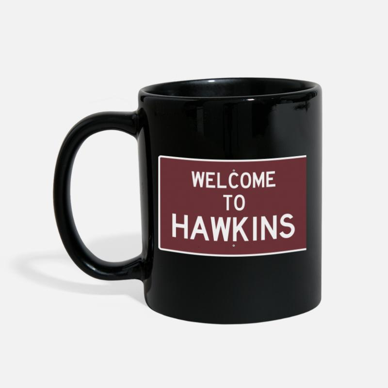 Stranger Things Mugs et gourdes - Welcome to Hawkins - Mug noir