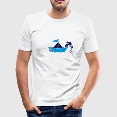 Seekrank auf Papierboot / seasick on paperboat (2c) - Männer Slim Fit T-Shirt