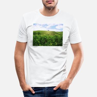 Region Weinberge in der Region Bordeaux - Männer Slim Fit T-Shirt