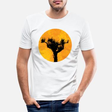 Zon Pijnboom in de zon - Mannen slim fit T-shirt