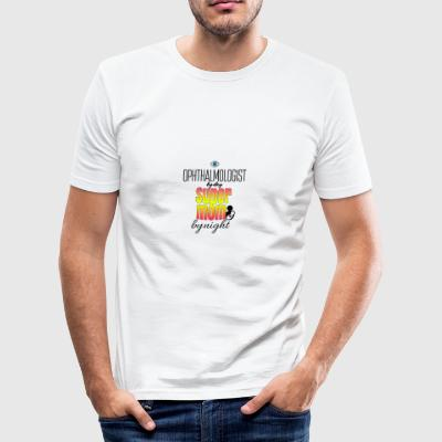 Oogarts bij dag en bij nacht super mom - slim fit T-shirt