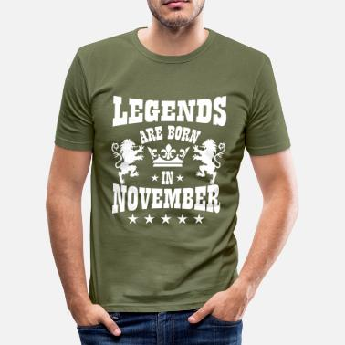 November Legends are born in November Lions Crown Birthday - Männer Slim Fit T-Shirt