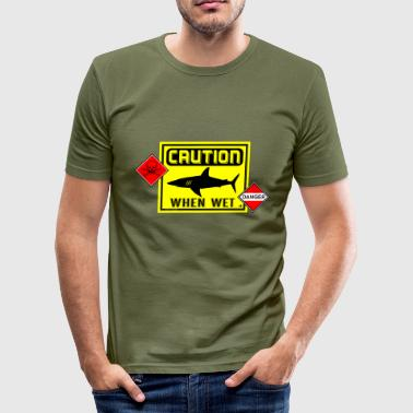Wet caution when wet danger es - Camiseta ajustada hombre